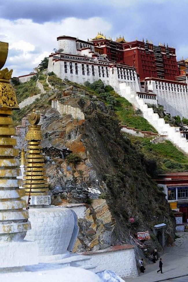 VIAJES A CHINA Y TIBET CON CRUCERO POR EL RIO YANGTSE - Buteler en China